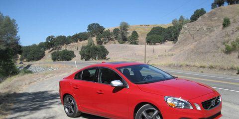 Tire, Wheel, Road, Automotive mirror, Vehicle, Automotive design, Rim, Infrastructure, Alloy wheel, Car,