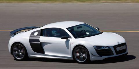 Tire, Wheel, Automotive design, Mode of transport, Vehicle, Road, Automotive mirror, Land vehicle, Infrastructure, Car,