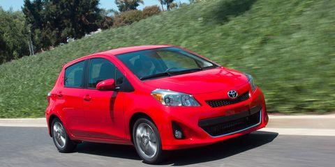 Motor vehicle, Tire, Wheel, Automotive mirror, Automotive design, Mode of transport, Vehicle, Land vehicle, Transport, Car,