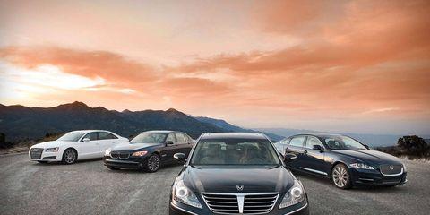 Mode of transport, Automotive design, Land vehicle, Automotive mirror, Vehicle, Automotive lighting, Transport, Car, Grille, Automotive parking light,