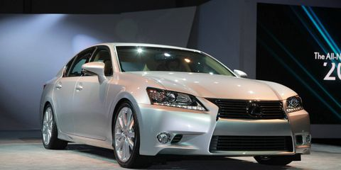 Wheel, Automotive design, Vehicle, Land vehicle, Car, Transport, Automotive mirror, Glass, Technology, Automotive lighting,