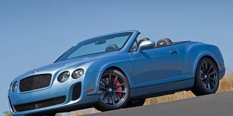 Tire, Automotive design, Vehicle, Land vehicle, Car, Grille, Fender, Alloy wheel, Rim, Convertible,