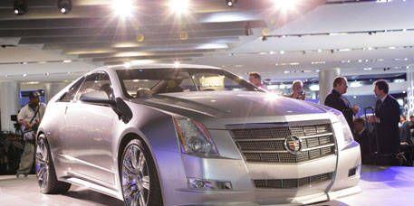 Automotive design, Vehicle, Event, Land vehicle, Car, Luxury vehicle, Grille, Auto show, Exhibition, Personal luxury car,
