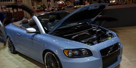 Tire, Automotive design, Vehicle, Hood, Car, Personal luxury car, Rim, Fender, Bumper, Grille,