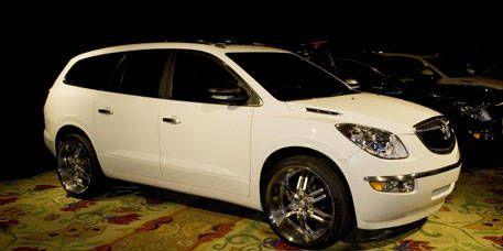Tire, Motor vehicle, Wheel, Automotive mirror, Mode of transport, Vehicle, Product, Glass, Automotive tire, Automotive lighting,