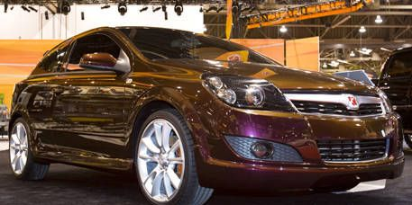 Motor vehicle, Automotive design, Vehicle, Land vehicle, Headlamp, Car, Hood, Grille, Automotive lighting, Rim,