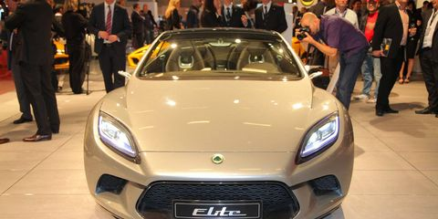 Motor vehicle, Automotive design, Vehicle, Event, Land vehicle, Headlamp, Grille, Car, Personal luxury car, Automotive lighting,