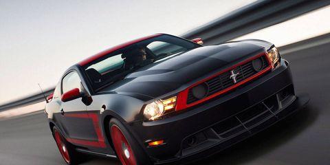 Motor vehicle, Tire, Automotive design, Automotive tire, Vehicle, Automotive lighting, Headlamp, Hood, Transport, Grille,
