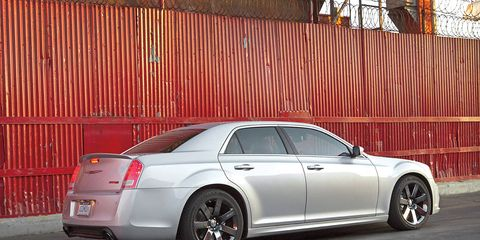 Tire, Wheel, Vehicle, Alloy wheel, Rim, Spoke, Car, Full-size car, Automotive tire, Mid-size car,