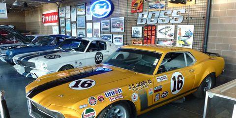 Tire, Wheel, Vehicle, Land vehicle, Automotive design, Car, Hood, Classic car, Automotive parking light, Sports car,