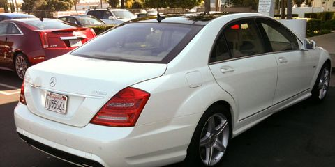 Wheel, Tire, Vehicle, Automotive design, Alloy wheel, Rim, Car, Full-size car, Fender, Personal luxury car,