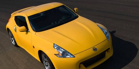 Tire, Motor vehicle, Mode of transport, Automotive design, Vehicle, Yellow, Transport, Land vehicle, Hood, Automotive mirror,