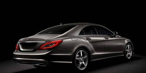 Automotive design, Luxury vehicle, Alloy wheel, Rim, Mercedes-benz, Black, Spoke, Personal luxury car, Sedan, Bumper,