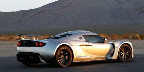 Tire, Wheel, Mode of transport, Automotive design, Vehicle, Land vehicle, Rim, Performance car, Car, Supercar,