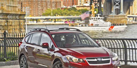 Tire, Wheel, Vehicle, Automotive lighting, Automotive mirror, Headlamp, Car, Rim, Automotive tire, Full-size car,