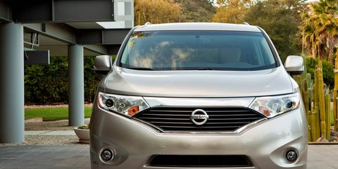 Motor vehicle, Mode of transport, Daytime, Vehicle, Automotive exterior, Glass, Automotive lighting, Headlamp, Land vehicle, Grille,