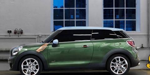 Tire, Wheel, Automotive design, Vehicle, Window, Glass, Vehicle door, Automotive exterior, Car, Automotive tire,