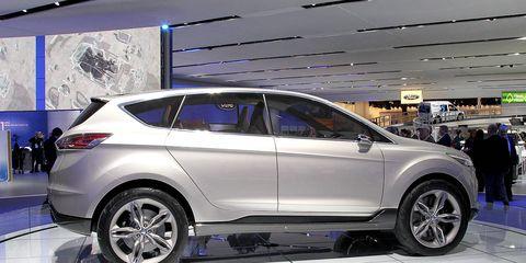Tire, Wheel, Motor vehicle, Automotive design, Vehicle, Automotive tire, Land vehicle, Automotive wheel system, Car, Alloy wheel,