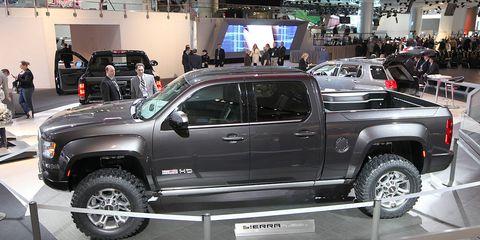 Tire, Motor vehicle, Wheel, Automotive tire, Automotive design, Vehicle, Land vehicle, Automotive wheel system, Rim, Automotive exterior,