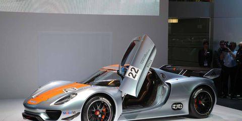 Wheel, Tire, Automotive design, Mode of transport, Vehicle, Automotive wheel system, Car, Rim, Supercar, Sports car,