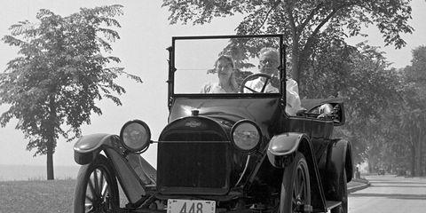 Motor vehicle, Tire, Mode of transport, Automotive design, Vehicle, Photograph, Monochrome photography, Monochrome, Classic car, Car,