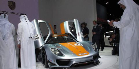 Automotive design, Event, Land vehicle, Car, Automotive lighting, Headlamp, Performance car, Fender, Auto show, Sports car,