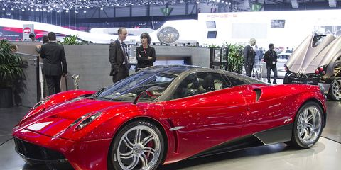 Tire, Mode of transport, Automotive design, Vehicle, Land vehicle, Car, Supercar, Personal luxury car, Sports car, Auto show,