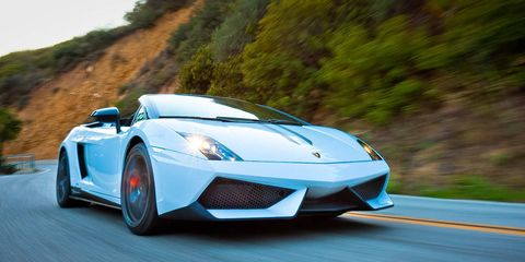 Tire, Wheel, Mode of transport, Automotive design, Automotive exterior, Vehicle, Road, Land vehicle, Headlamp, Transport,