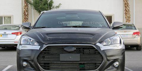 Motor vehicle, Tire, Automotive design, Land vehicle, Vehicle, Daytime, Headlamp, Automotive lighting, Car, Grille,