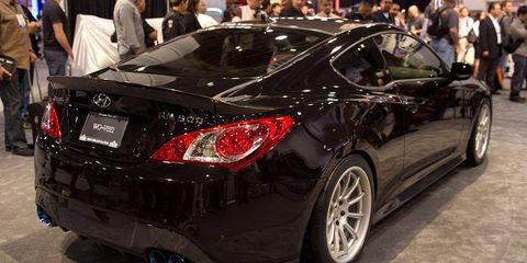 Wheel, Automotive design, Vehicle, Land vehicle, Car, Rim, Personal luxury car, Performance car, Automotive lighting, Alloy wheel,