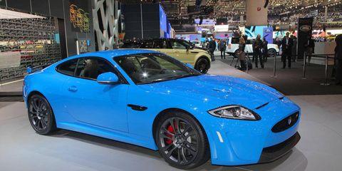 Tire, Wheel, Automotive design, Vehicle, Performance car, Car, Rim, Automotive wheel system, Fender, Sports car,