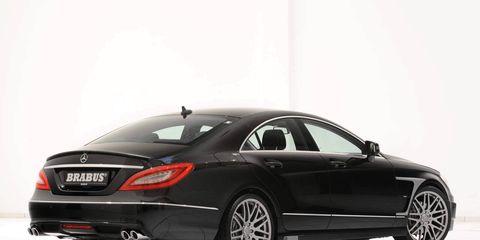 Tire, Automotive design, Vehicle, Alloy wheel, Rim, Car, Automotive tire, Personal luxury car, Fender, Spoke,