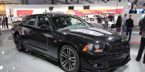 Tire, Wheel, Automotive design, Vehicle, Car, Grille, Automotive tire, Rim, Personal luxury car, Fender,