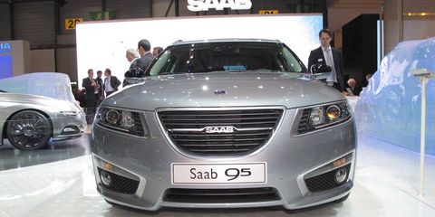 Motor vehicle, Automotive design, Vehicle, Land vehicle, Event, Car, Grille, Personal luxury car, Mid-size car, Luxury vehicle,