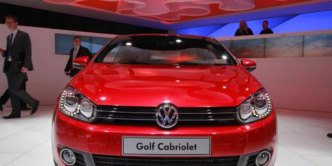Motor vehicle, Automotive design, Vehicle, Coat, Car, Headlamp, Suit, Grille, Automotive lighting, Automotive exterior,