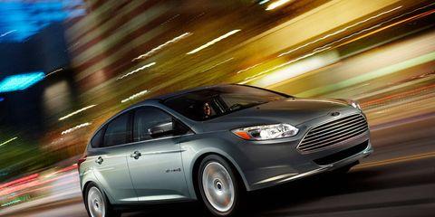 Tire, Wheel, Mode of transport, Automotive design, Vehicle, Transport, Infrastructure, Car, Automotive lighting, Full-size car,