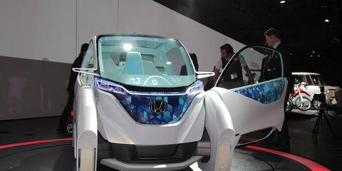 Automotive design, Event, Land vehicle, Car, Auto show, Exhibition, Concept car, Personal luxury car, Sports car, Luxury vehicle,