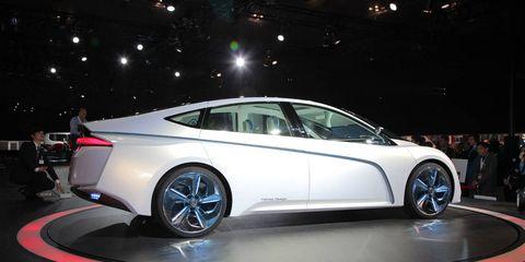 Wheel, Tire, Mode of transport, Automotive design, Vehicle, Transport, Car, Personal luxury car, Luxury vehicle, Mid-size car,