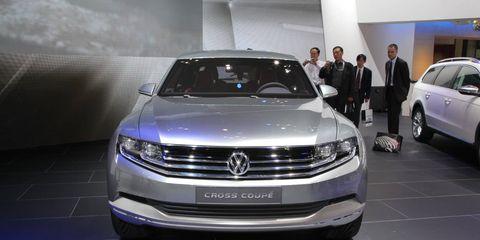 Automotive design, Land vehicle, Vehicle, Car, Grille, Headlamp, Luxury vehicle, Personal luxury car, Technology, Automotive lighting,