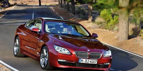 Motor vehicle, Mode of transport, Road, Automotive design, Vehicle, Land vehicle, Infrastructure, Vehicle registration plate, Road surface, Car,