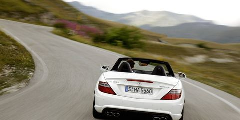 Road, Mode of transport, Automotive design, Mountainous landforms, Vehicle, Automotive lighting, Infrastructure, Car, Highland, Performance car,