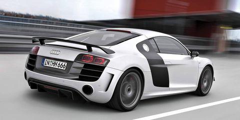 Tire, Wheel, Mode of transport, Automotive design, Vehicle, Automotive exterior, Vehicle registration plate, Land vehicle, Car, Rim,