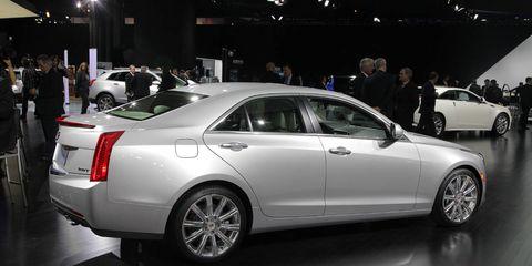 Tire, Wheel, Automotive design, Vehicle, Land vehicle, Alloy wheel, Rim, Car, Personal luxury car, Spoke,