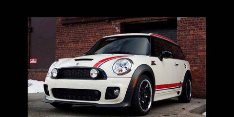 Automotive design, Vehicle, Automotive lighting, Land vehicle, Headlamp, Vehicle door, Car, Hood, Alloy wheel, Rim,