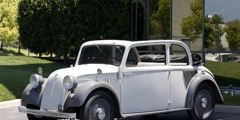 Tire, Wheel, Mode of transport, Vehicle, Automotive design, Photograph, Classic car, Car, Vehicle door, Automotive tire,