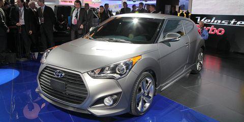 Tire, Wheel, Motor vehicle, Automotive design, Vehicle, Event, Land vehicle, Headlamp, Car, Automotive lighting,