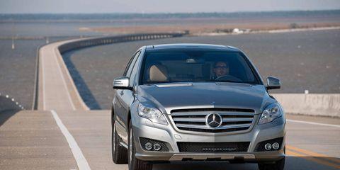 Mode of transport, Automotive design, Road, Vehicle, Grille, Mercedes-benz, Hood, Automotive exterior, Car, Personal luxury car,