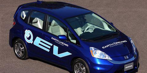 Tire, Wheel, Motor vehicle, Automotive design, Mode of transport, Blue, Vehicle, Land vehicle, Transport, Car,