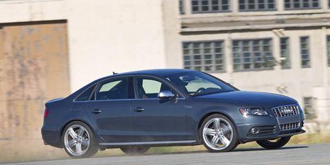 Tire, Wheel, Automotive design, Mode of transport, Vehicle, Alloy wheel, Land vehicle, Rim, Car, Automotive tire,