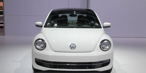 Motor vehicle, Automotive design, Mode of transport, Vehicle, Land vehicle, Automotive exterior, Transport, Car, Automotive lighting, Headlamp,